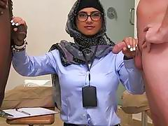 Arab chick receives pussylicking